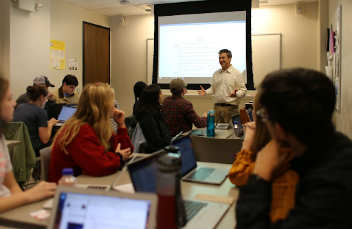 Dr. Marc Cohen's English 105 Class Collaborates with UNC Emergency Department in Immersive Shadowing Experience